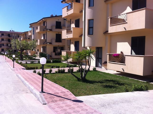 Apartment with pool, near the beach, Sleeps 6 A/C - Gioiosa Ionica