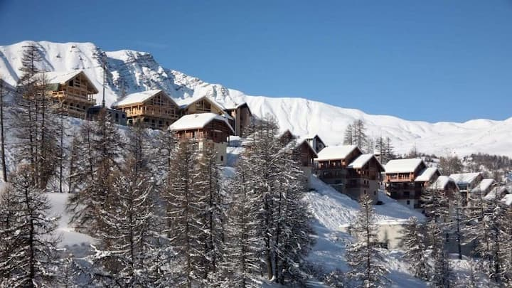 Super duplex ski feet residence standing