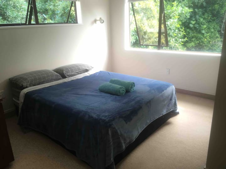 Cool Summer Nights in Double Bedroom - shared home