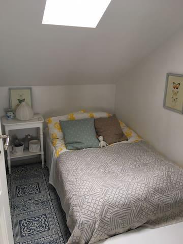 Sovrum 3 säng 120