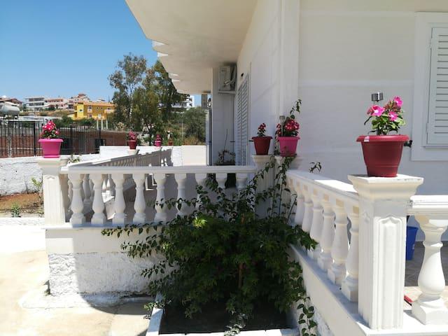 Villa Sonil & Xhulio
