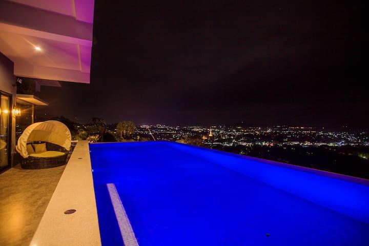 E1.半山轻奢豪宅,180度海景网红别墅,俯瞰各大海滩。