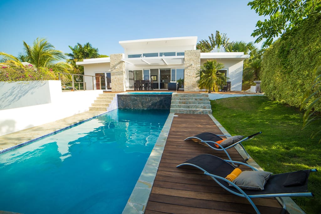 amazing villa with jacuzzi and ocean view