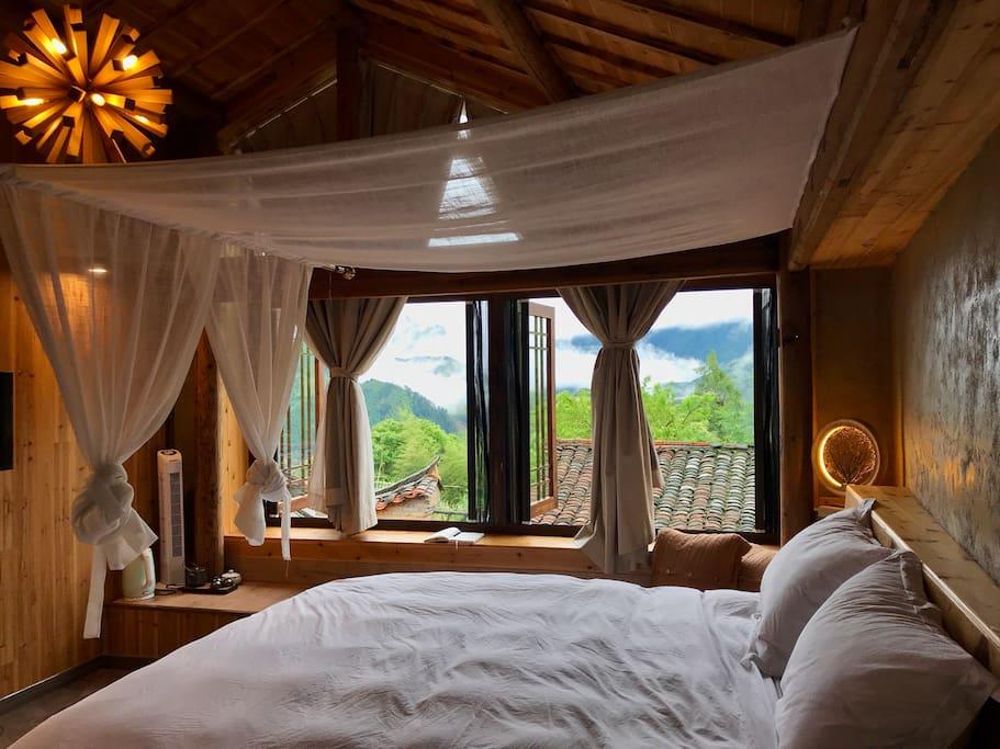 云景浴缸大床房