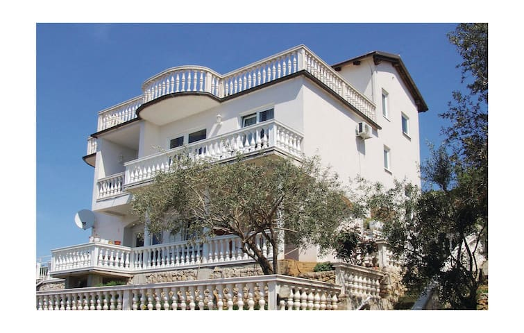 Holiday apartment with 1 bedroom on 38m² in Tisno