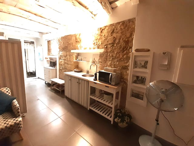 Cozy Loft in the heart of Cagliari - free Wi-Fi