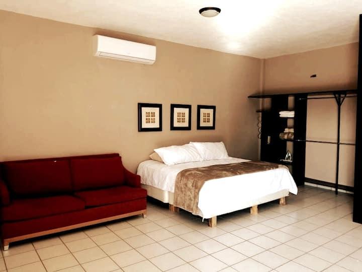 1.Comfortable Studio 100 mts From Marina Bay Área