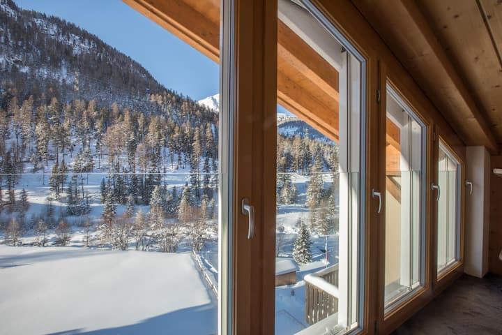 Ruhige Maisonette-Dachwohnung - Ausblick ins Grüne