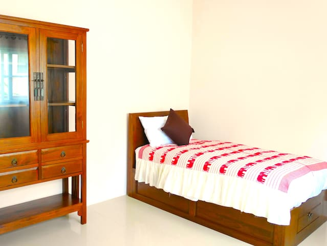 Bedroom3 with single bed and wardrobe