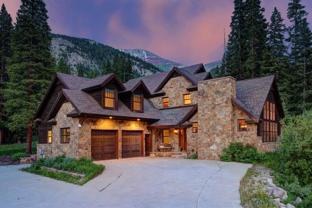 The perfect cozy retreat away from it all
