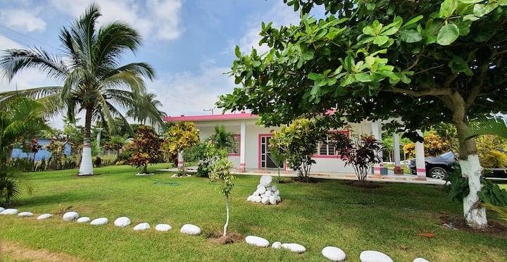"""Hermosa Casa de Campo """"El Oasis"""" - Costa Esmeralda"""
