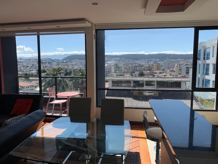 Modern 2 Bedroom Apt with Home Automation and View
