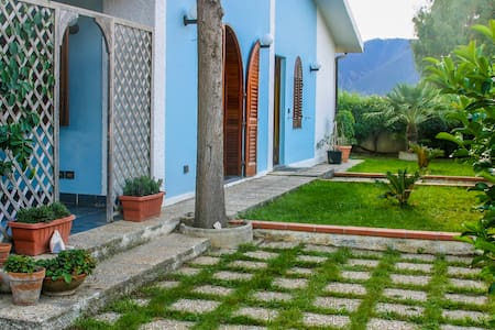 A Casa di Angela - Falcone - Dům