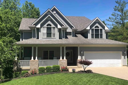 Southern charm and comfort/ spacious for families
