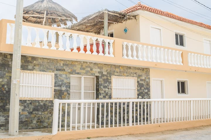 10 People House in Downtown Telchac Puerto!