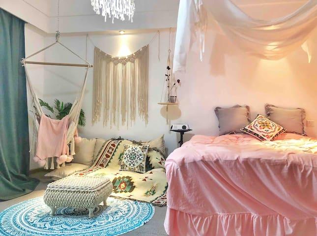 【鹿尔民宿】CBD商圈|摩洛哥风格|大床房