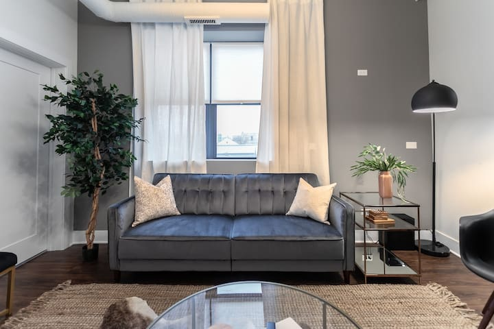 3BR  Grande Apartment near McCormick  |by Cloud9