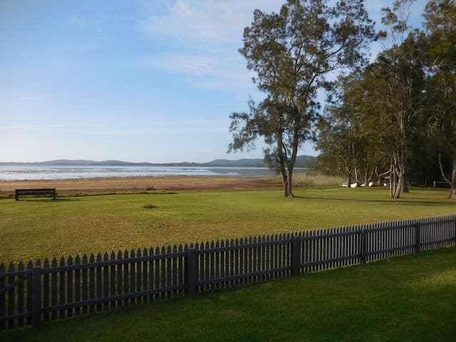 Go for a stroll along the foreshores of Tuggerah Lake, or sit and enjoy the scenery on the seat at the lake edge. Access to the lake is through the back gate.