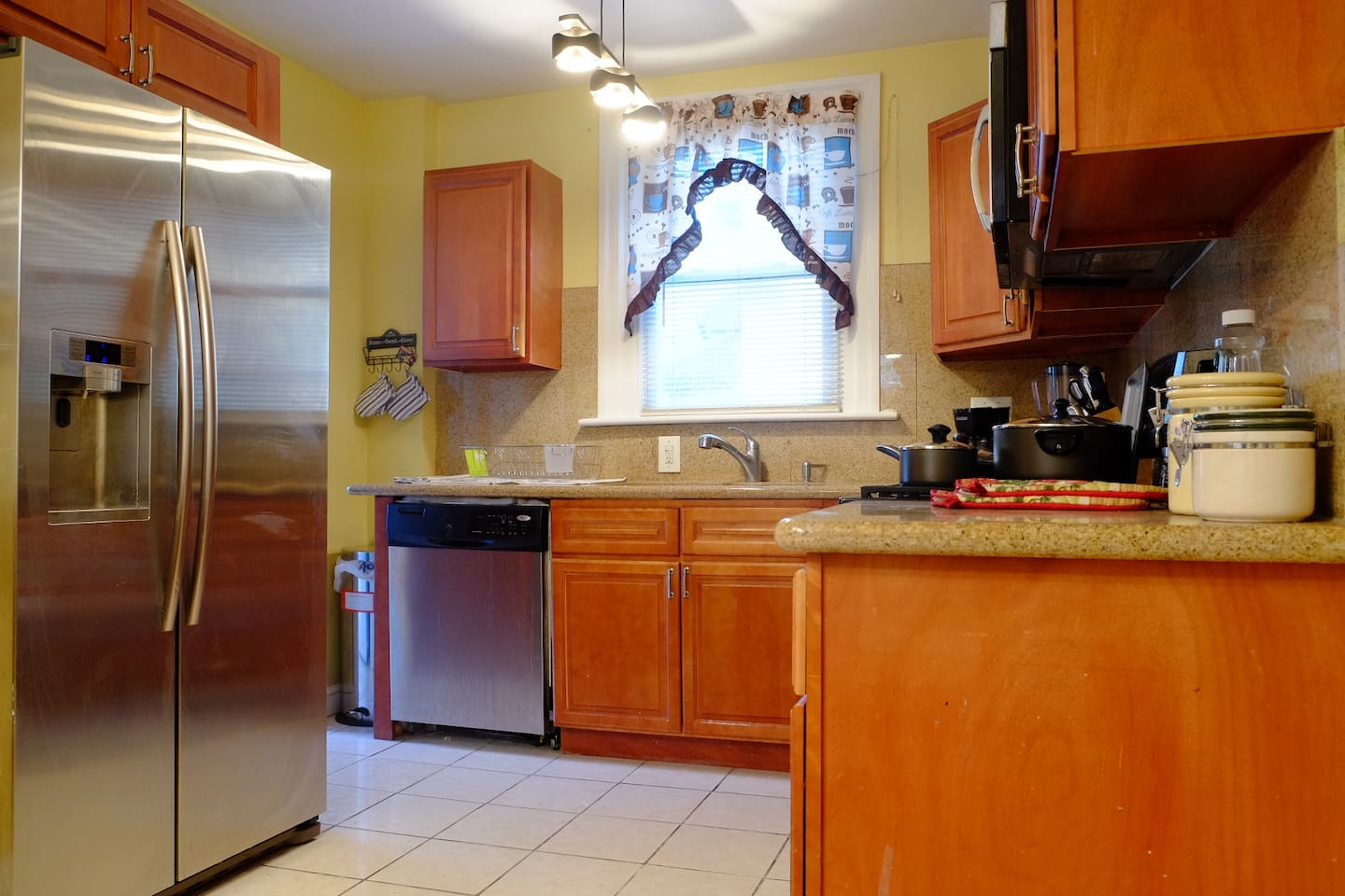 Fully accessible kitchen