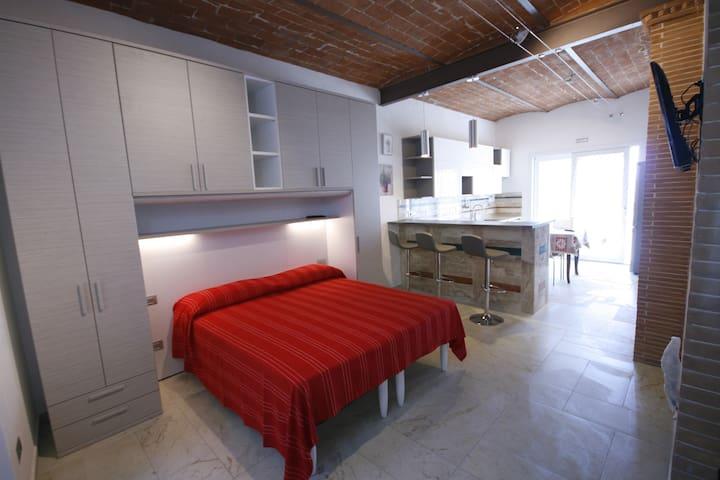Open Space vista mare a pochi minuti dalle spiagge - Capoliveri - Apartament