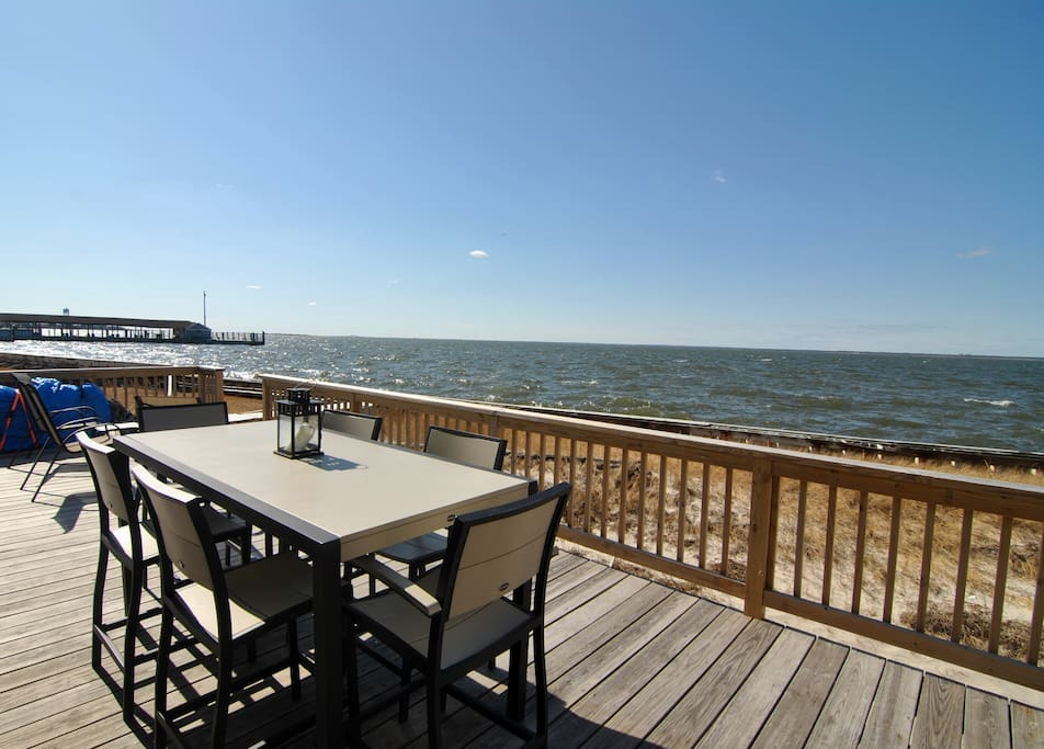 Enjoy your meals outdoors, while enjoying the bay breeze.