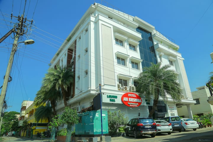 Peaceful Stay At Uptown In Pondicherry