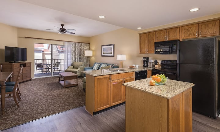 CW Branson at the Meadows- one bedroom deluxe