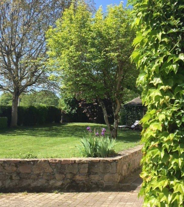 Jardin à l'avant de la Maison