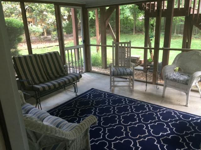 Spacious 2 BR Chapel Hill getaway near UNC - Chapel Hill - Apartment