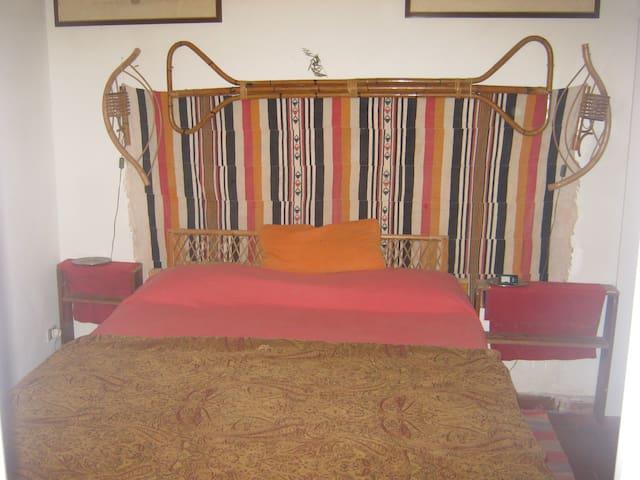 il grande letto matrimoniale