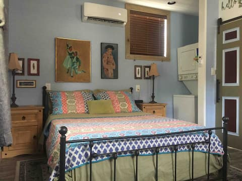 Cozy & Private Guesthouse near downtown
