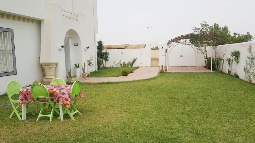 Splendide villa indépendante à Jinen Hammamet