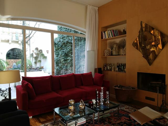NEW - Bright private room in center town - Vicenza - Vicenza - House