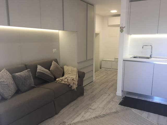 MONOLOCALE CON TUTTI I COMFORT - Feletto Umberto - Apartamento