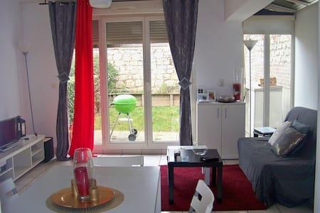 Studio cosy avec jardin près de la gare TGV - Mantes-la-Jolie - Huoneisto