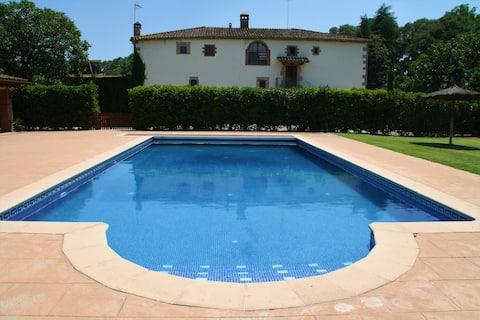 Beautiful farmhouse with pool - LA CASETA-