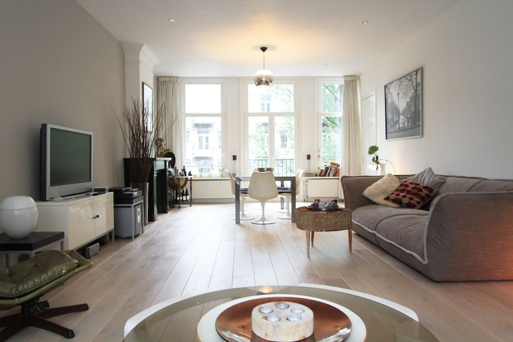 Trendy bright home in city center apartments for rent for Design apartment jordaan