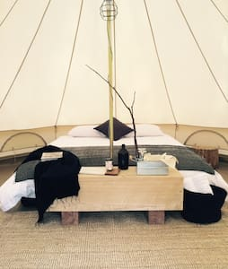 Bay of Fires Bush Retreat Bell Tent - Cosy's - Binalong Bay