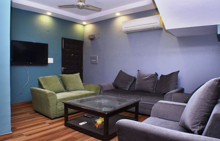 Fully Furnished 3BHK Duplex Luxury - New Delhi - Appartement