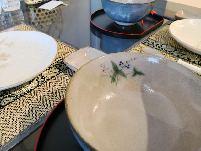 Quality handcrafted designer bowls and plates from Japan