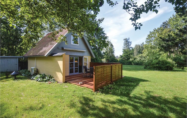 Holiday cottage with 1 bedroom on 46m² in Sjællands Odde