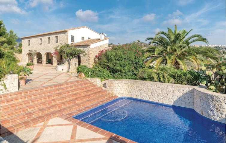 Nice home in Benissa with 3 Bedrooms