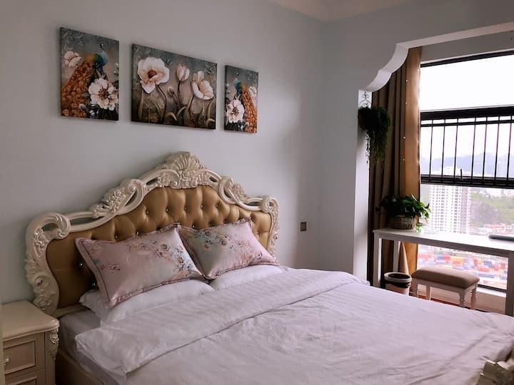安顺市安卓公寓豪华大床房核心商圈近好吃街和火车站怡居