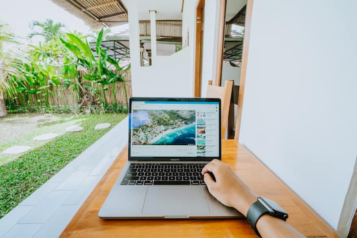 Spacious Room & Strong Wi-Fi for Digital Nomad