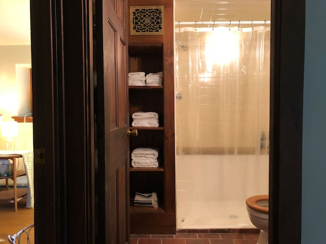 Guesthouse bathroom