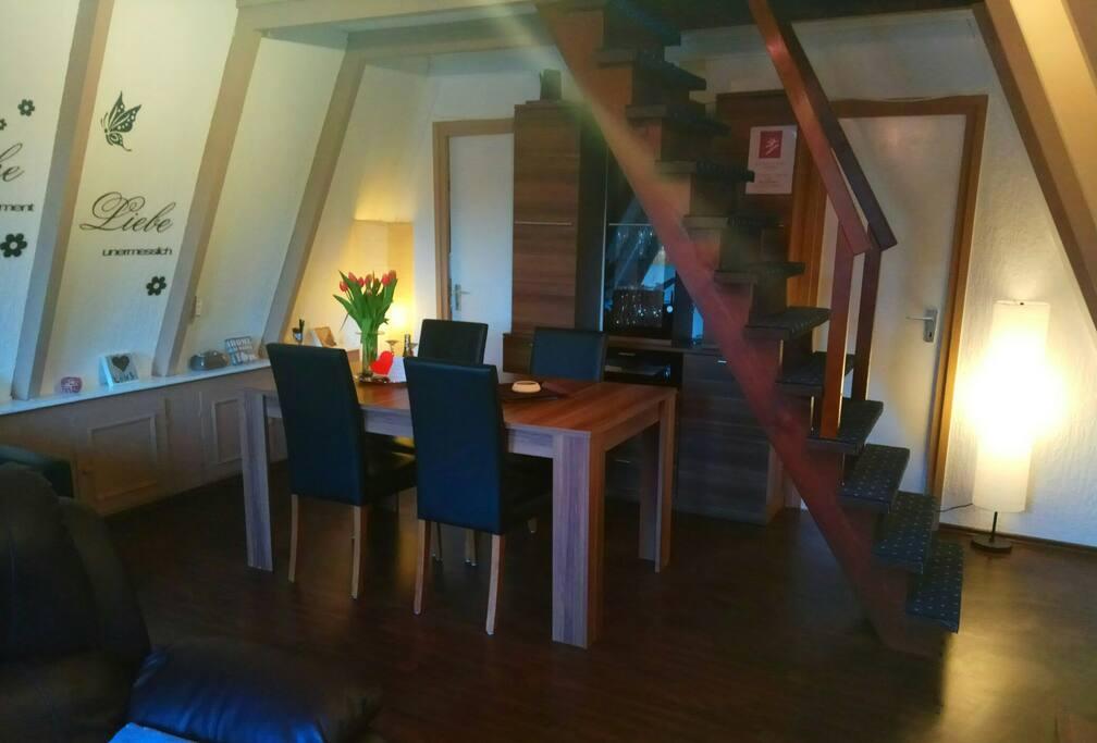 Sehr liebevoll eingerichtetes Holzhaus am See....