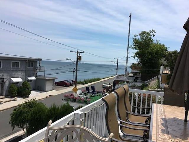 Oceanview home; gorgeous front deck; near Logan
