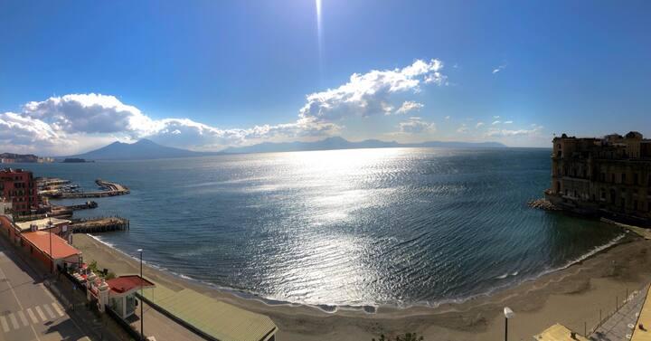 Camera con vista panoramica e Vista mare