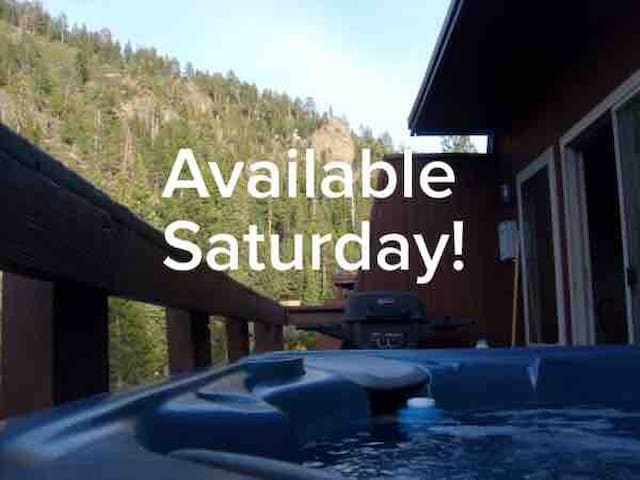 3BR, private HotTub, By Tahoe, Squaw, Summer POOL