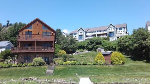 Saratoga Lakefront Luxury Apartment